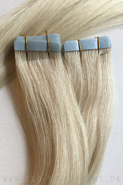 Lys blond Tape extensions
